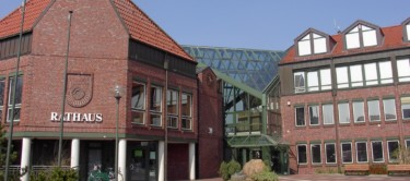 Blick auf das Neu Wulmstorfer Rathaus