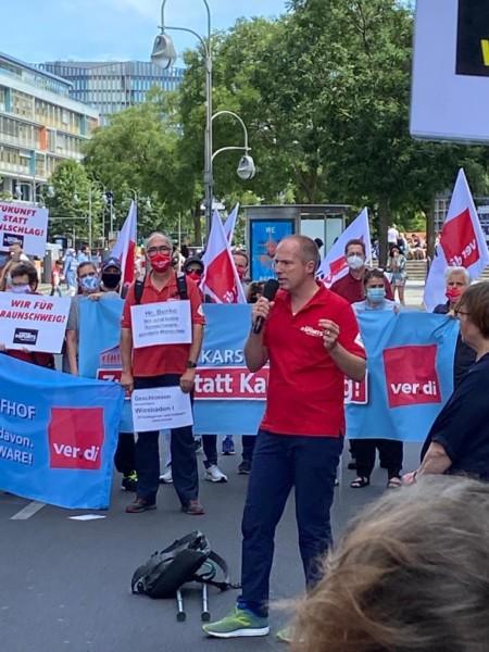 Tobias Handtke bei ver.di Kundgebung